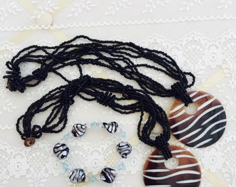 Detash -  ASSORMENT of Two Shell and Beaded NECKLACEs  - One BRACELET - DIY Pendants and Beads