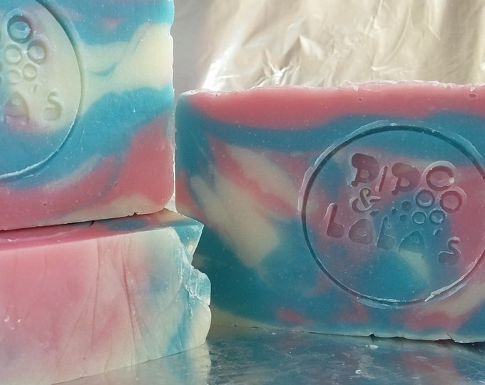 Red Raspberry Barely-Scented Soap (Soap Goddess Special Edition)