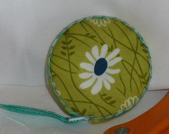 Simply Colorful II Retractable tape measure, covered with fabric