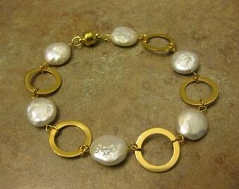 coin pearl bracelet, coin bracelet, gold coin bracelet, gold pearl bracelet, coin pearl jewelry, coin pearl, coin jewelry, gold jewelry