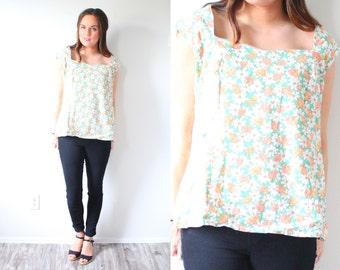 Vintage boho floral blouse // floral tank top // light green 1950's floral cap sleeve blouse // button up tank top // floral spring top