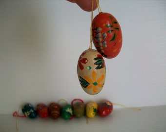 9 vintage wooden eggs for Easter crafts . vintage hand painted wooden eggs . folk art eggs . Easter eggs for decor . vintage Easter eggs