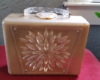 Summer Sale Vintage 50s Lucite Purse Pearl & Clear Etched Flower Lunch Box Rectangle Style