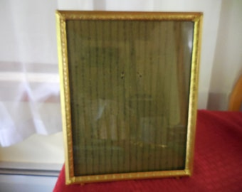 Vintage Gold Tone 1940s to 1950s Metal 8x10 Vertical Stand Only Could Hang Picture/Photo Frame Footed