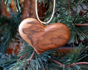 Figured Myrtle Heart Wood Carving Ornament Pendant Necklace Hand Carved Valentine's Day Gift for GirlFriend Sculpture Hanging Decor Romantic