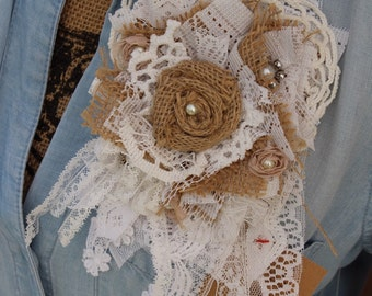 Burlap and lace brooch pin / corsage / rustic mothers day corsage / brooch / burlap brooch pin / shabby chic / vintage / rustic country eF1