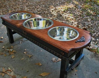 Large Dog Bowl Elevated Pet Feeder, Old English Stain and Black, 2 Two Quart Dog Bowls, 1 Three Quart Bowl, Shabby Chic, Made to Order