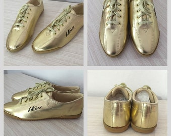 Never Worn Pair Of FABULOUS 1992 Gold Metalic L.A. Gear Shoes ~ Size 8