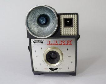 Imperial Lark 127 Vintage Camera