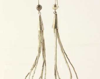 Native American Liquid Silver Dangle Earrings - 925 Sterling Silver Hooks Womens Y3954