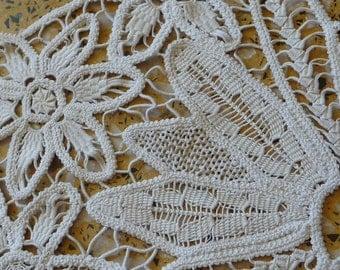 Antique Needle Lace Runner  ECRU Needlelace