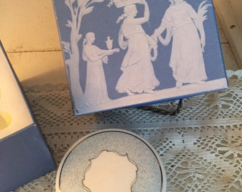 Wedgewood trinket jar in jasperware design box never used great gift perfect for a ring!