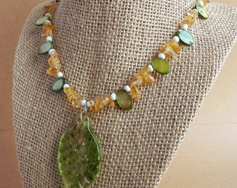 Green Mother of Pearl Necklace with Glass Leaf Pendant - Shell Necklace - Glass Necklace - Glass Pendant - Seed Bead Necklace -Leaf Necklace