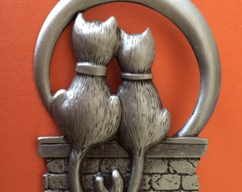 Signed JJ Pewter Cuddly Cat Watchers Brooch