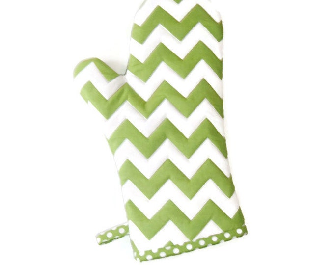 Oven Mitt - St. Patrick's Day - Green and White Chevrons - Gift for Foodie - Gift Under 20