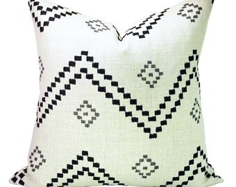 Taj pillow cover in Onyx/Ash
