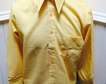 NOS/Deadstock! Vintage 1970s Yellow Geometric Pattern Dacron/Cotton Button Down- 16/33 - L