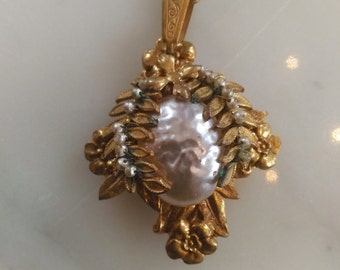 Miriam Haskell Baroque glass pearl pendant necklace
