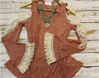 Lace and tassel trimmed tunic, heather knit with natural lace applique and fringe, tops, lace,clothing, tees, boho, romantic | TN1