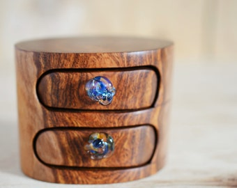 Snappy Gum wooden box. wood box. log box. tree ring box. glass drawer knob. little wooden box. Western Australia. desert timber. drawer box