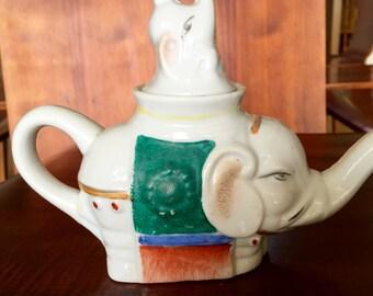 Vintage Chinese porcelain Elephant Teapot