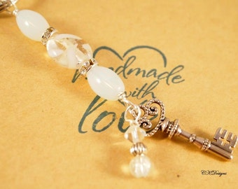 White Beaded Key Ring, Elegant Beaded Charm Key Chain. Gift for Her, Decorative Keychains, OOAK Handmade Key Ring.