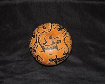 Vintage Lizard Carved Gourd Tribal Aztec Iguana Brown Bowl Jewelry Trinket Box
