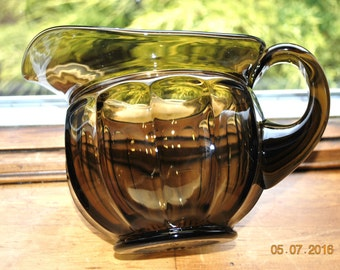 Imperial Old Williamsburg  Nut Brown 32 ounces Pitcher