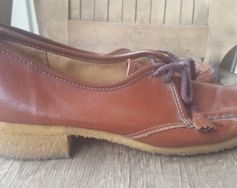 TROTTERS    ///    Leather 70s Shoes