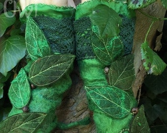 Green Leaf Faerie Cuffs-Faerie Cuffs-woodland armwarmers- Folkowl Cuffs - leaf cuffs -  Forest Cuffs - Vintage lace gloves