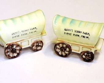 Ceramic Knott's Berry Farm Covered Wagon Salt and Pepper Shakers, Vintage California Souvenir Made in Japan Kitsch Home Decor itsyourcountry