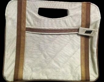 Vintage Clutch / Vintage Purse/ Handbag / Fashion Accessory / Trending Clutch