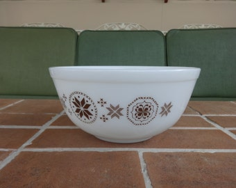 Vintage pyrex mixing bowl Town country hex sign 2 1/2 quart glassware # 403 kitsch
