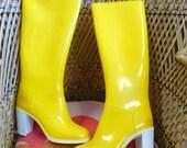 Vintage 1970s RUBBER Boots RIGON Liza High Heels Yellow Unused in Box Italian Fashion Size 4 UK 37 Europe