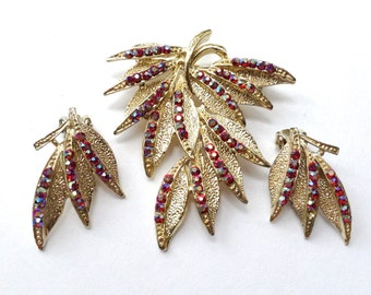 Vintage Tara Jewelry Set Red & Gold Brooch Earrings Holiday Reto Mad Men Fashion Jewelry