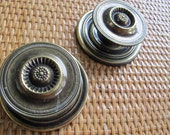 Antique brass tone large drawer knobs with backplates (pair) / salvaged drawer knobs / antiqued brass coloured knobs / round brass knobs
