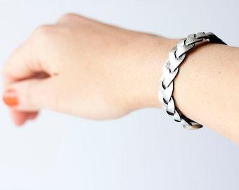 Braided Leather Bracelet / Reversible / Silver & Black