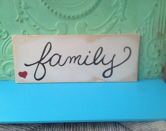 Distressed Ivory and Black Family Wall Hanger, Wooden Family Home Decor Signs, Gallery Wall Sign Decor