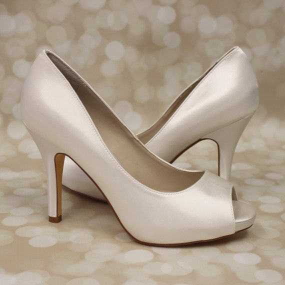 simple wedding shoes ivory wedding shoes ivory peep toe heels platform wedding 7524