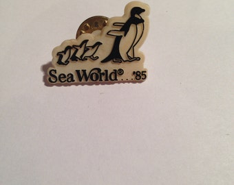 Vintage sea world pin
