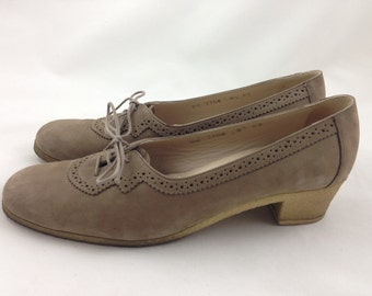 Suede leather Italian Ferragamo lace up low heels Oxfords