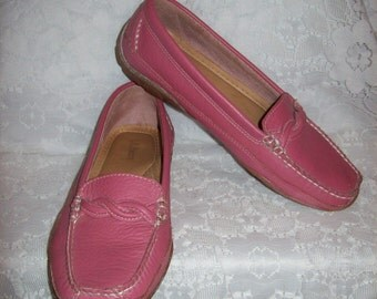 Vintage Ladies Pink Leather Slip Ons Moccasin Driving Loafers by L L Bean Size 10 Only 15 USD