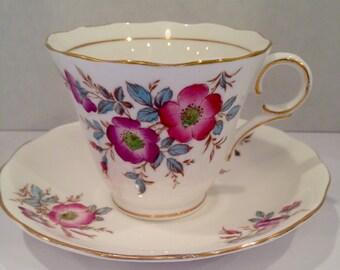 """Beautiful """"Colclough China"""" Vintage Teacup"""