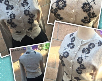 1950's vintage gray Full Fashioned label flower purple beads angora blend sweater