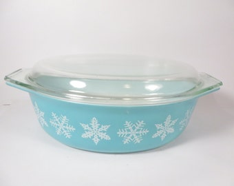 Vintage Pyrex Turquoise Snowflake Covered Casserole - Large Pyrex Casserole Ovenware