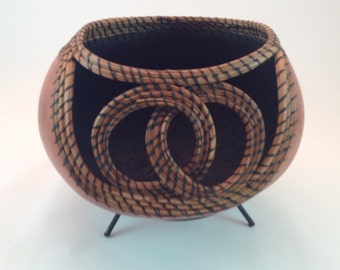 Gourd with double ring coiling