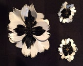 Mad Men 60's mod jewelry set bkack and white metal enamel brioch and clip earrings