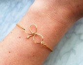 Gold Bow, Gold Chain Bracelet-14k gold filled,dainty charm bracelets,gift for her,cute bow bracelet,bow tie bracelet,tie the knot bracelet