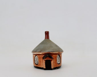 Vintage Ceramic Cottage  - Mudlen End Studio Circular Gatehouse - Miniature Cottage England Ceramics