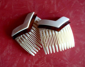 Nice 1960's - 1970's French NOS Pair of Hair Combs in Cream and Faux Tortoise Plastic